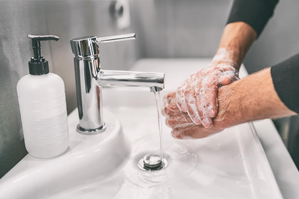 avoid dry skin from extra hand washing during covid-19